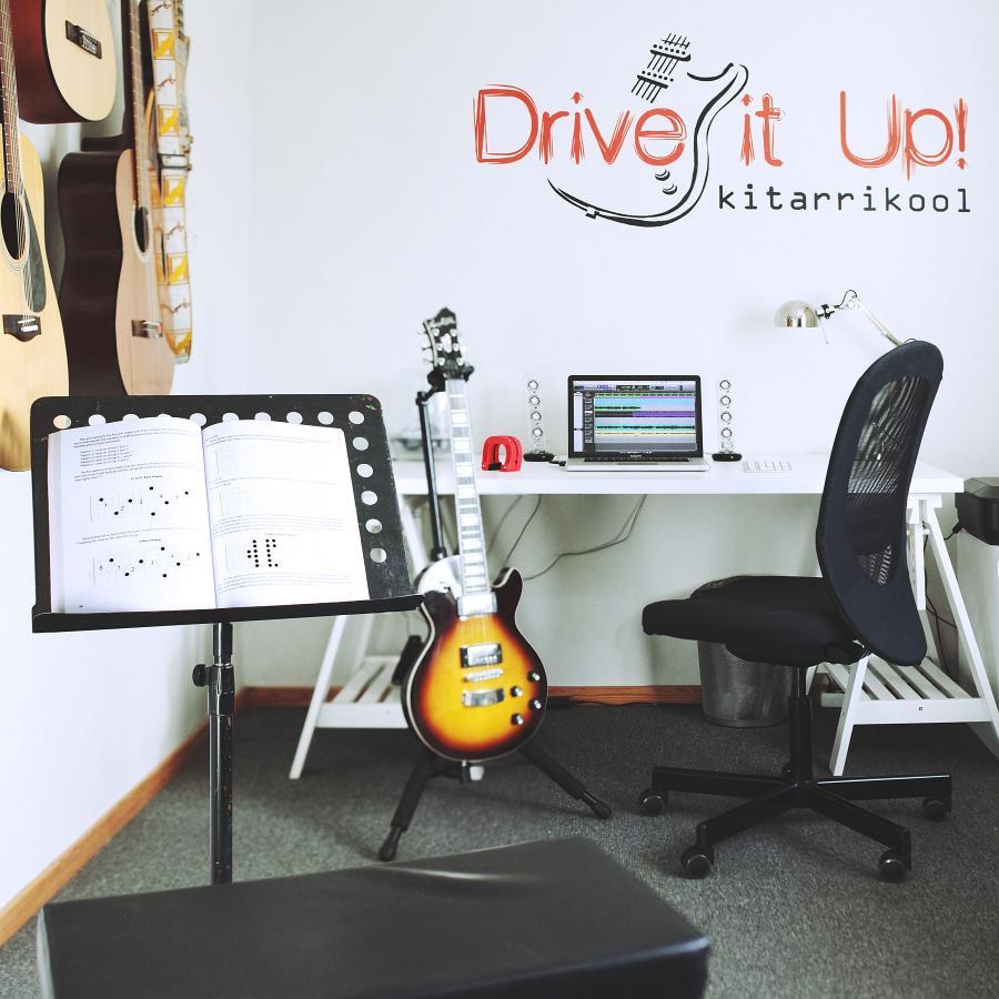 Kitarrikool Drive It Up - kitarrikursused ja kitarritunnid Tallinnas