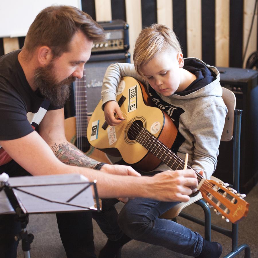 Kitarriõpe lastele ja täiskasvanutele Tallinnas